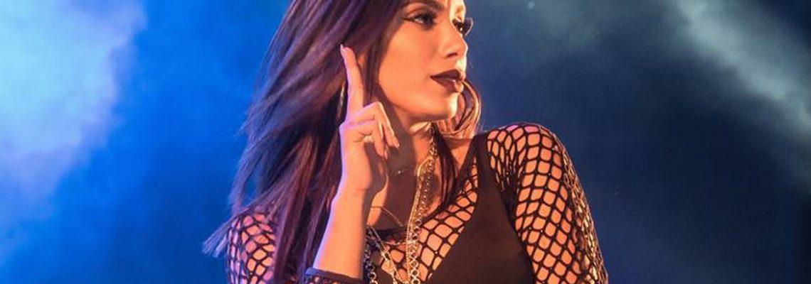 Quem é o alvo da indireta da Anitta?