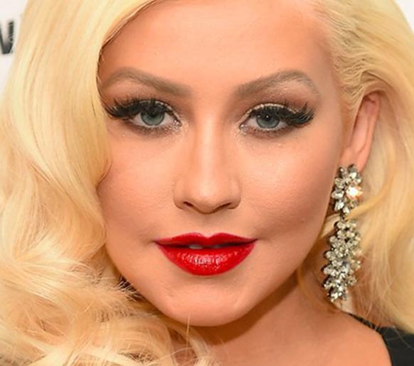 Christina Aguilera canta em Carpool Karaoke e relembra o mundo o que é ser diva