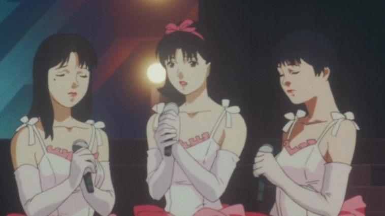Mima e as colegas do idol group, em sua última apresentação antes de sair.